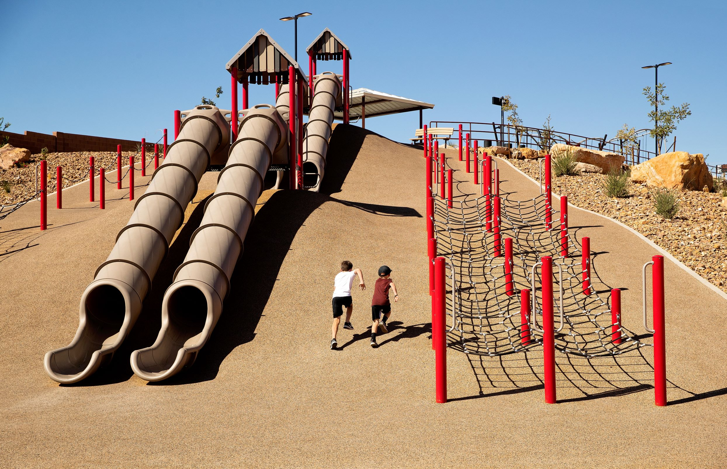 Playful Landscapes 101 : How To Use Topography in Play and Fitness Spaces?