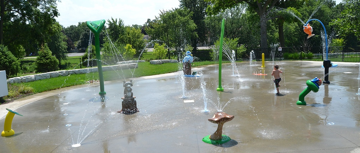 Water Play Equipment Spray Features